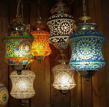 in indiaas en turks design plafonnires met glasmozaek uit india geven veel sfeer in uw interieur wij hebben vele kleurrijke lampen op voorraad
