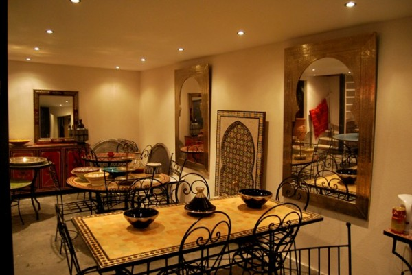 Marokkaanse Lampen Xenos : Marokkaanse mozaiektafels zilveren dienbladen lantaarns